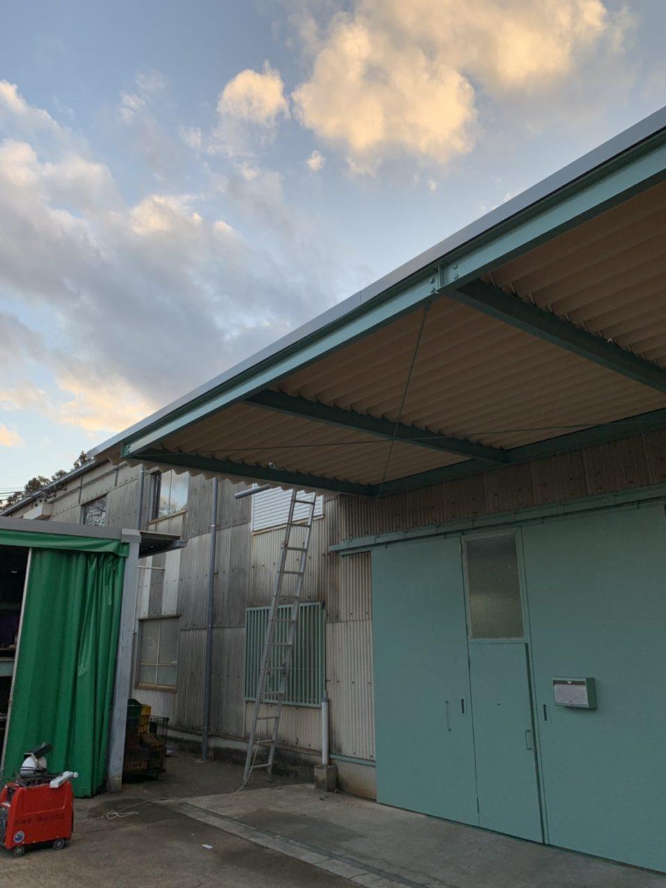 守山区株式会社Y様 折板屋根取り付け工事2