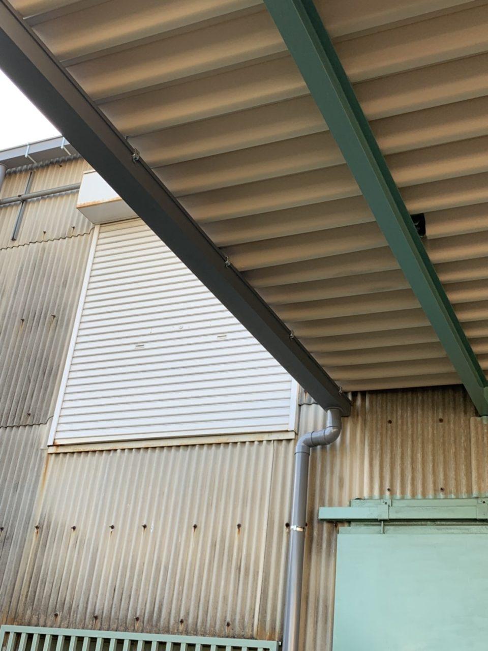 守山区株式会社Y様折板屋根取り付け完了2