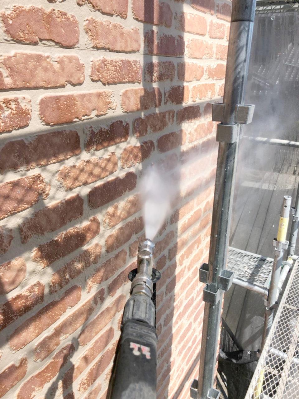 塗装を塗りやすくするための高圧洗浄1