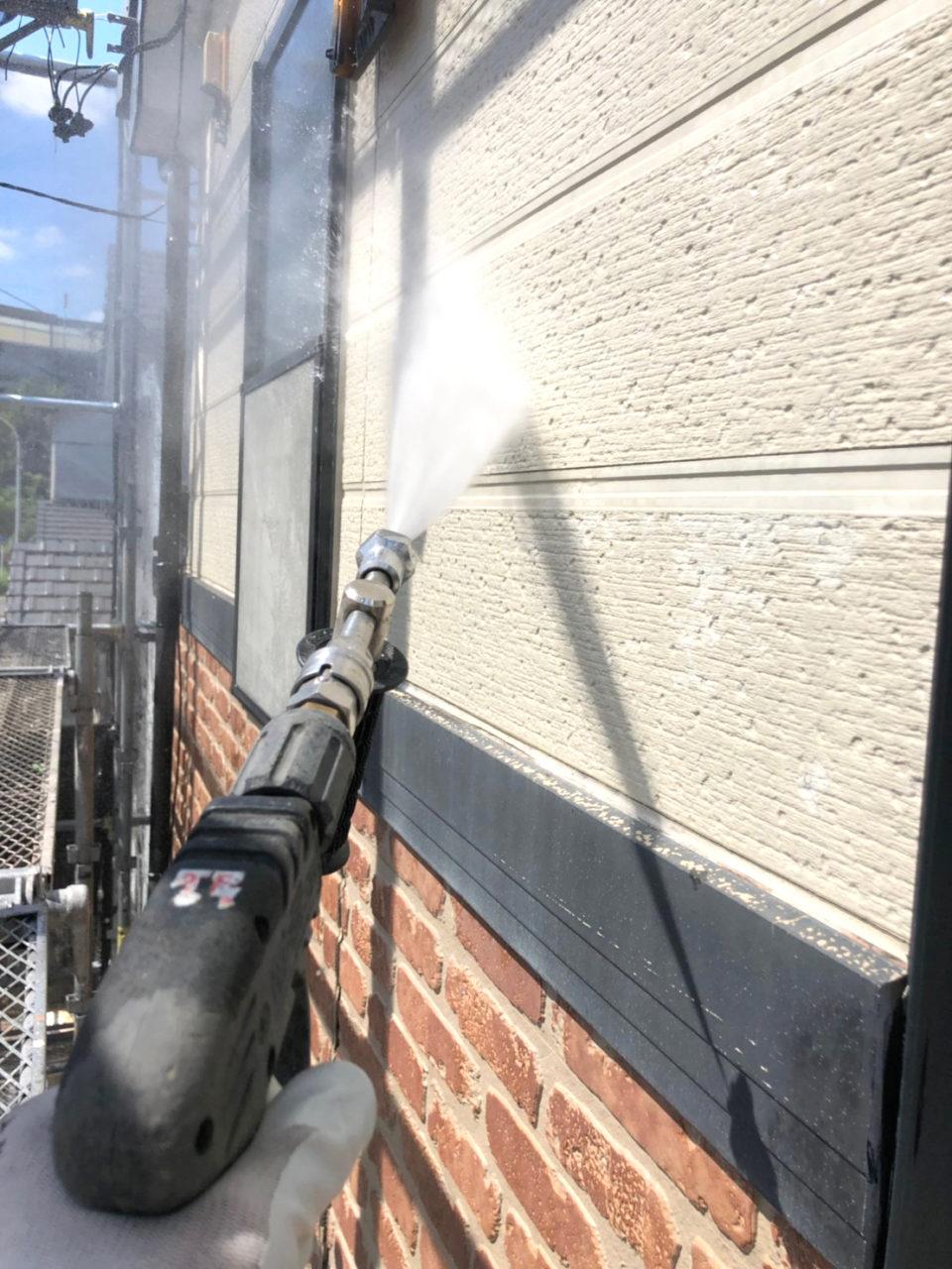 塗装を塗りやすくするための高圧洗浄2